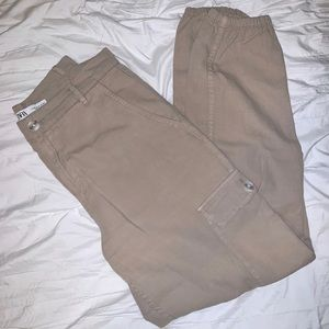 Zara women's cargo pants beige/tan